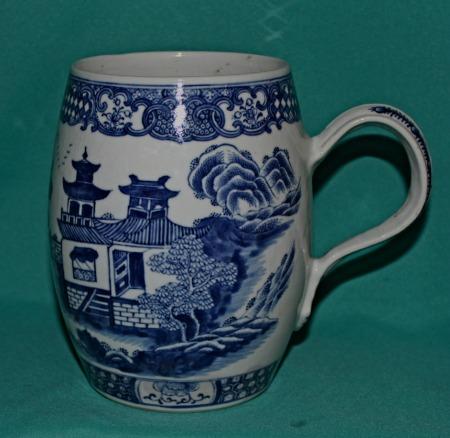 18th Century Chinese Export Porcelain Mug
