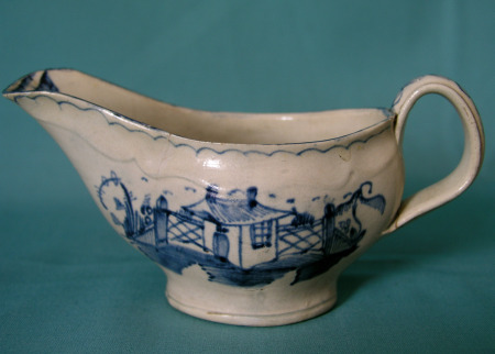 18th Century English Creamware sauce boa