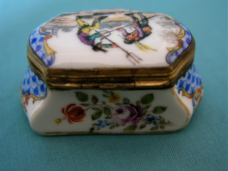 A 19th Century Sevres Style Porcelain Snuff Box
