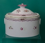 A Spode Old Oval Shape Sugar Box c.1800-1805