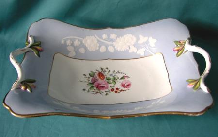 A Spode Porcelain Centre Dish, Pattern 2010, c.1820