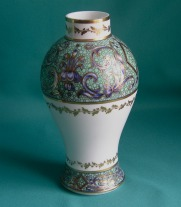 An 18th Century Porcelain Tea Caddy (possibly English)