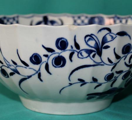 Worcester Porcelain Bowl Quot Hollow Rock Lily Quot Pattern C 1760 68