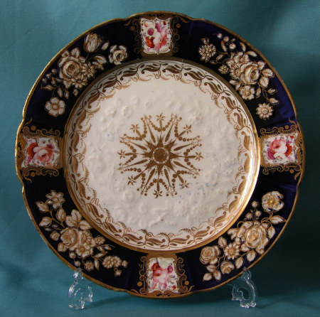 A Coalport dessert plate pattern 988 c.1820-25