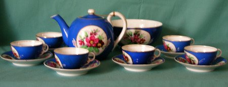 A Russian Francis Gardner Porcelain Tea set c. 1880-1900